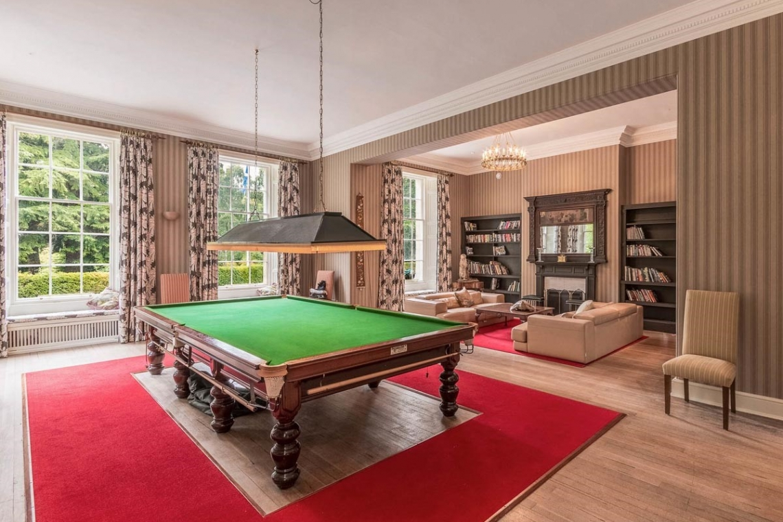 Blervie-House-Scotland-bandb-snooker-table