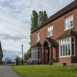 Huntlands Farm facade oblique