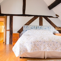 Huntlands farm bedroom 1