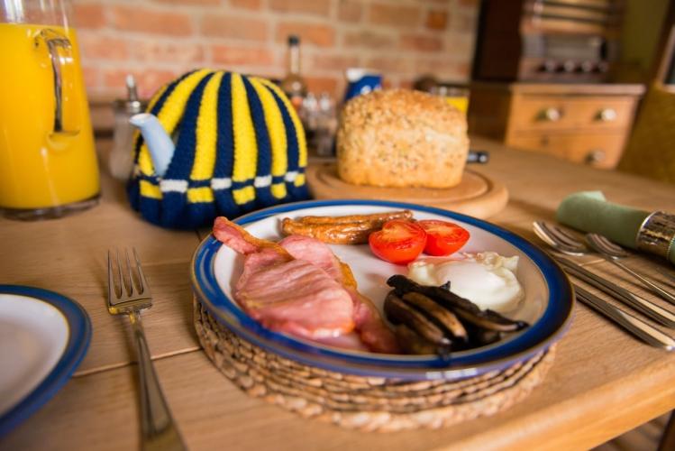 Huntlands farm breakfast