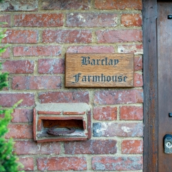 barclay farm b&b Ashford sign
