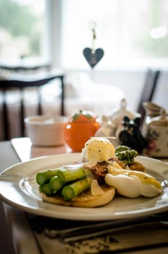 Kingsway Guest House Edinburgh breakfast 2