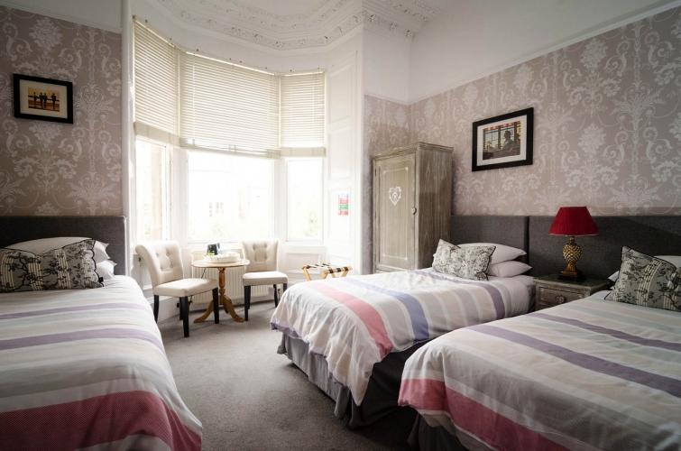 Kingsway Guest House Edinburgh family bedroom