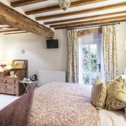 Horseshoe Cottage B&B guest bedroom