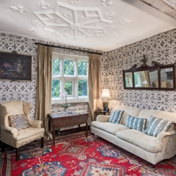 Upton Cressett Hall, B&B, the gatehouse guest sitting area