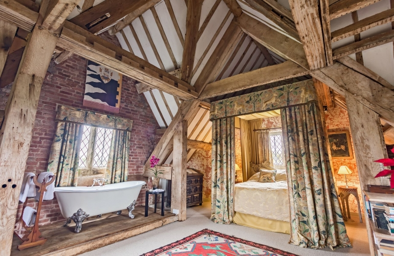 Upton Cressett Hall, B&B, the gatehouse bed and bath