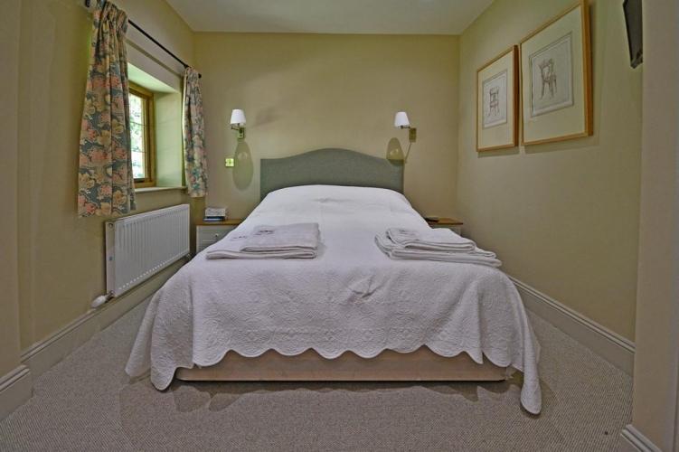 Upton Cressett The Moat House bedroom