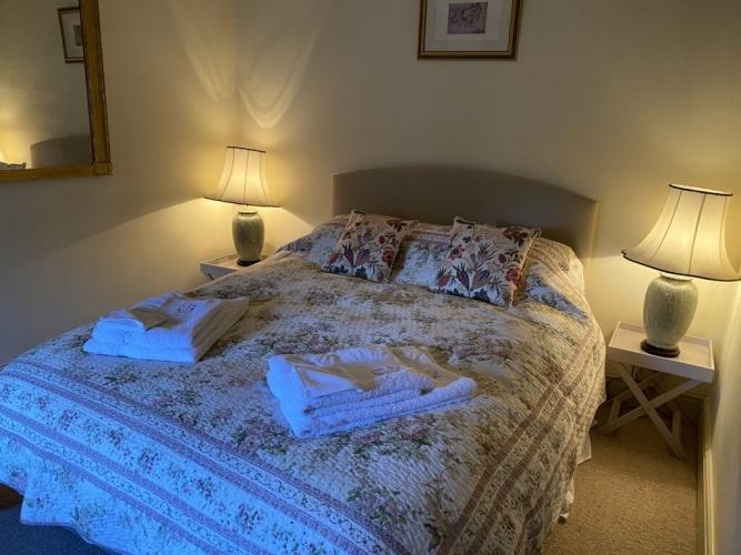 Upton Cressett Hall The Coach House bedroom