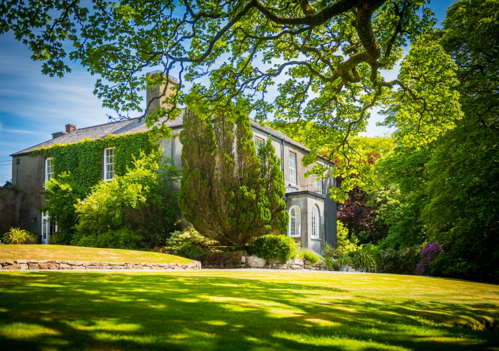 Wolsey Lodges Burnille House B&B in summer