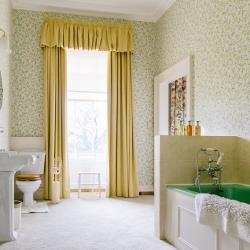 Hoveton Hall B&B guest bathroom