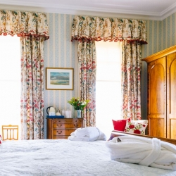 Hoveton Hall B&B guest bedroom