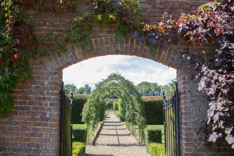 Hoveton Hall B&B gardens