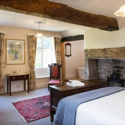 Lower Wythall B&B guest bedroom